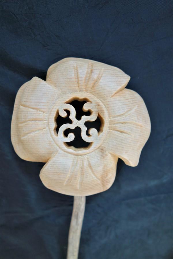 Swastiker Blumen, Swastiker, Blumen aus Holz, Holzschnitzerei, Christof Seiser, Atelier Bergluft, Souvenir