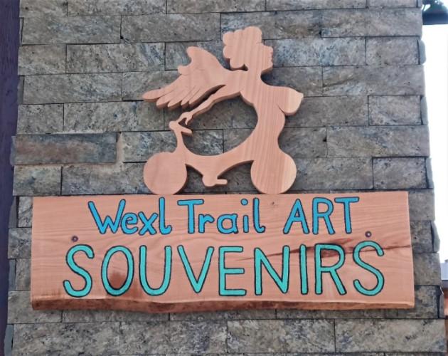 Souvenirs, Wexl Trails ART, Wexl Trails, The WU, Hochwexltrail, TrailArt, Chimära, Chimärafiguren, Mischwesen, Kuh, Holzkunst, Landschaftskunst, Landart, Atelier Bergluft, Christof Seiser