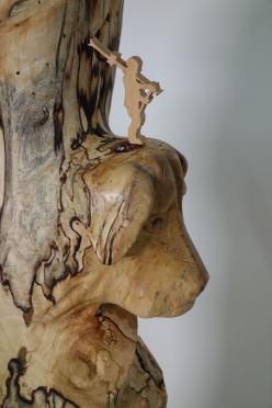 Lebensstamm, Baumstamm, Birke, Lebensgeschichte, spannendes Leben, dein Leiben, Bildhauer, Holzschnitzer, Schnitzkunst, Kunstwerk, Bildsprache, Geschichte erzählen, Bildende Kunst