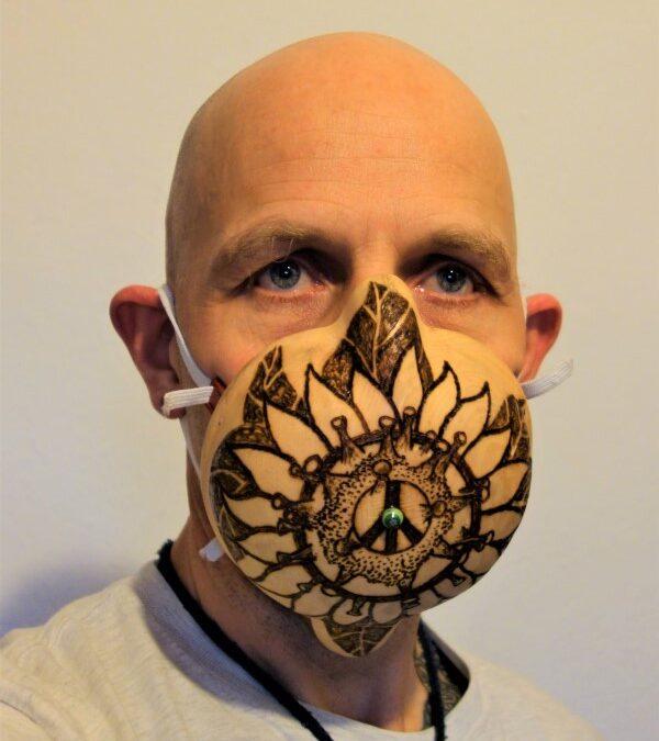 Covid 19 Schutzmaske aus Zirbenholz, Zirbenholz, Schutzmaske, Maske, Corona Virus, Covid 19, Pandemie, 2020, Covidiot, Plandemie,